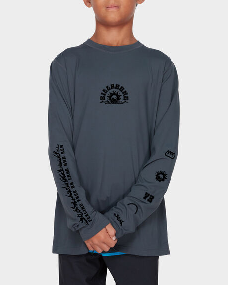 TEEN WILD AND FREE LONG SLEEVE RASH GUARD