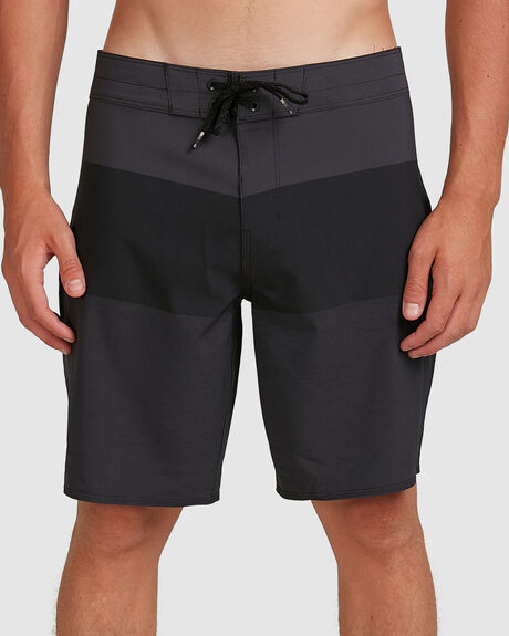 TRIBONG AIRLITE STEALTH BOARDSHORTS