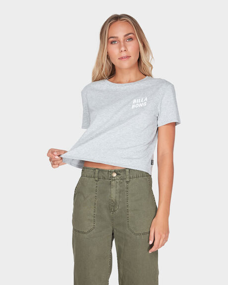 HEADLINE CROP TEE