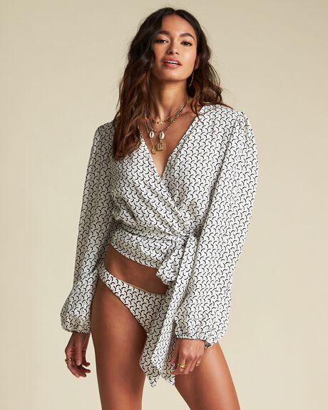 WRAPPED IN LOVE TOP