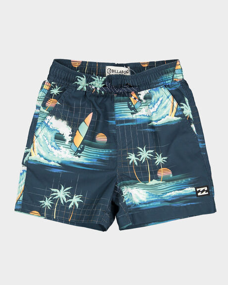 GROMS ISLAND LAYBACK ELASTIC SHORT