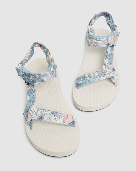 THE SCRUNCHIE SANDAL