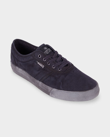 DROPKICK PRO ALL BLACK SHOE