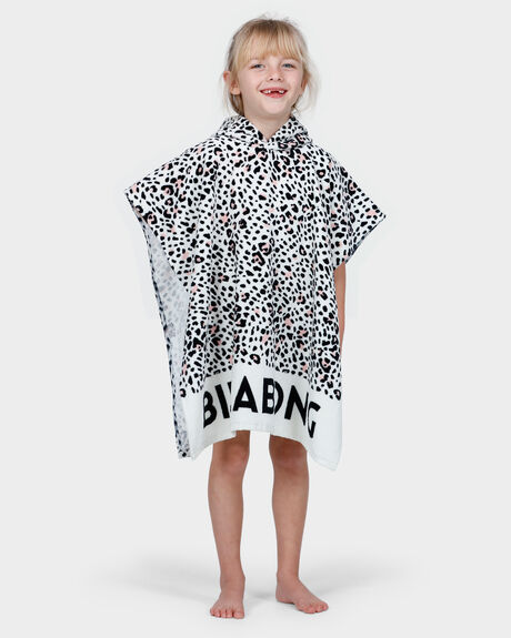WILD ONE HOODED TOWEL