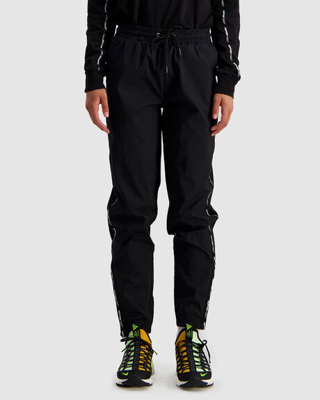 RISE TRACKPANT