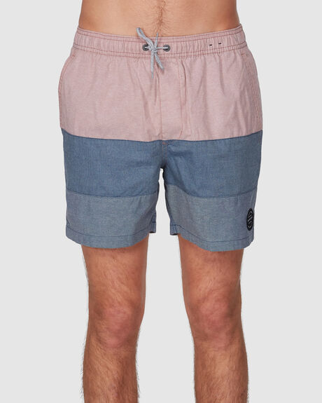 TRIPLE OUT 17 ELASTIC WALKSHORTS