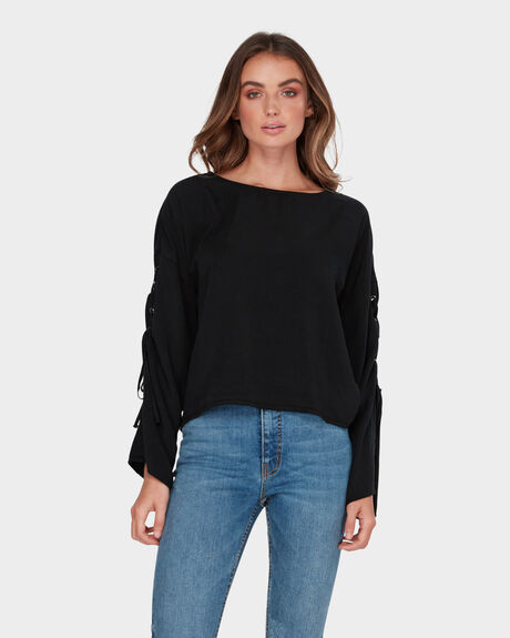 LACEUP SLEEVE TOP