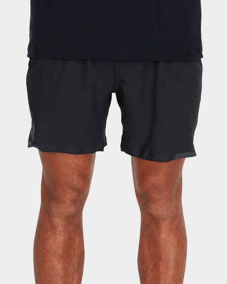 MENS VA 16 INCH TECH SHORTS